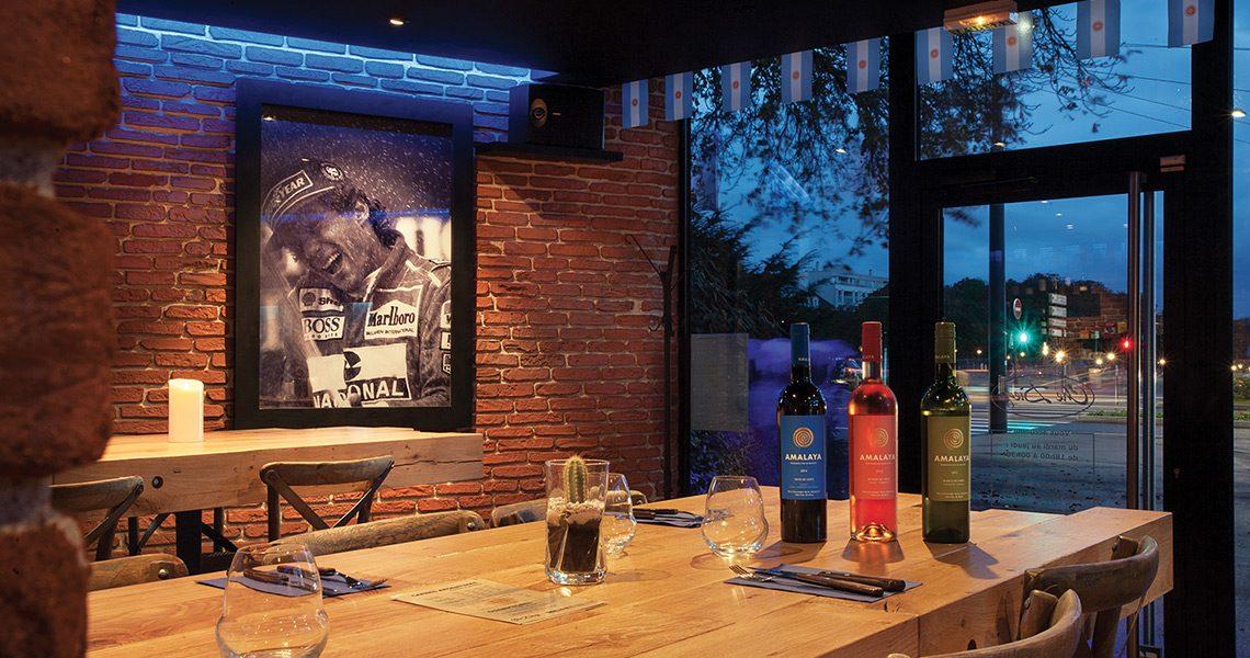 Decopierre intérieur aspect briquettes au restaurant Che Diego à Reims