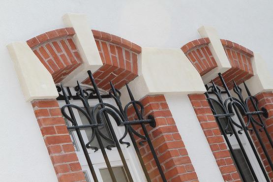 Protection des murs extérieurs en pierre et brique
