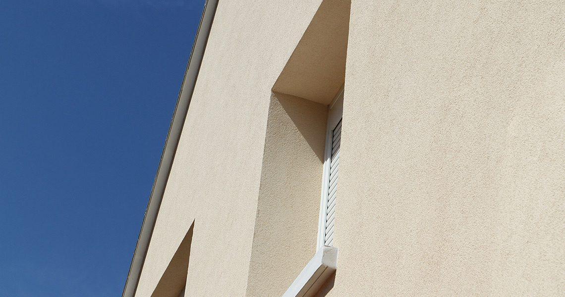Ravalement de façade avec enduit technique