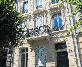 Restauration de façade en pierre à Reims