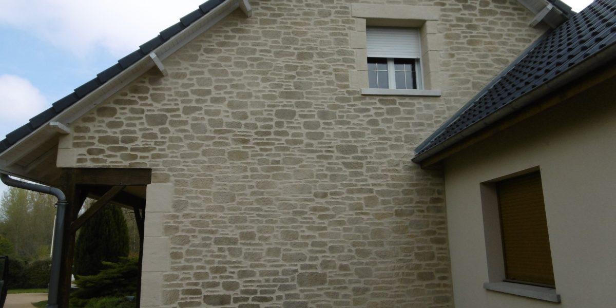 Decopierre extérieur, chaînages d'angle et encadrements de fenêtres