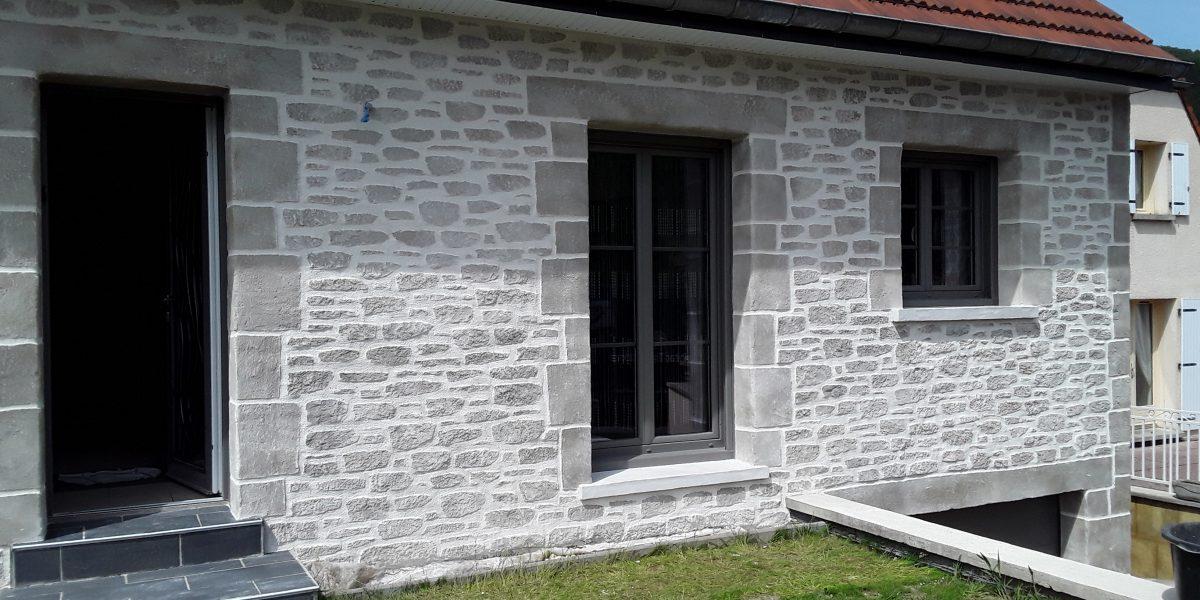 Decopierre extérieur et encadrements aspect pierre