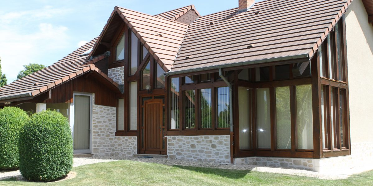 Decopierre extérieur et structure bois