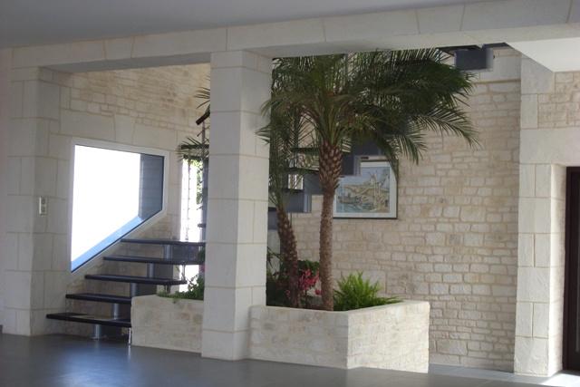 Decopierre intérieur, montée d'escaliers