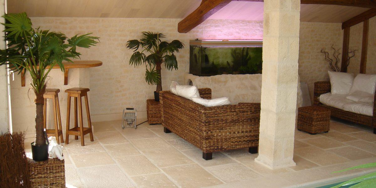 Decopierre intérieur salle de piscine