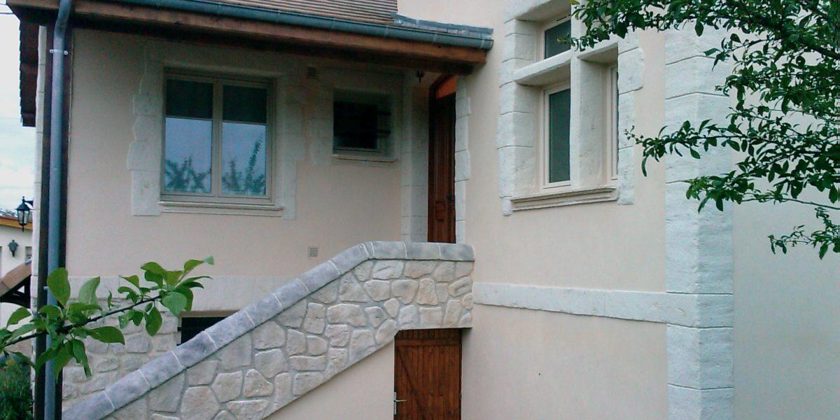 Descente d'escalier et encadrements Decopierre