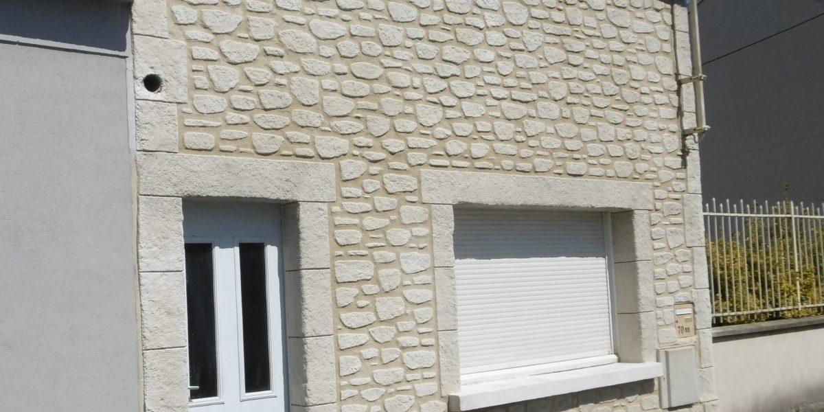 Façade Decopierre avec encadrements en pierre de taille