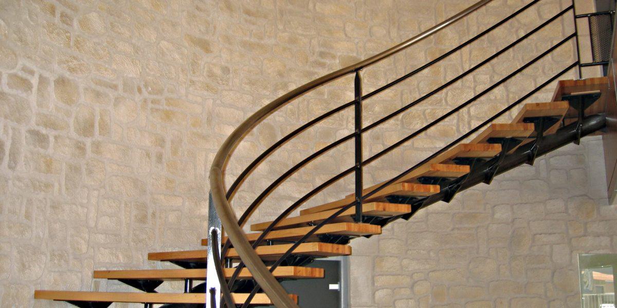 Montée d'escalier en Decopierre