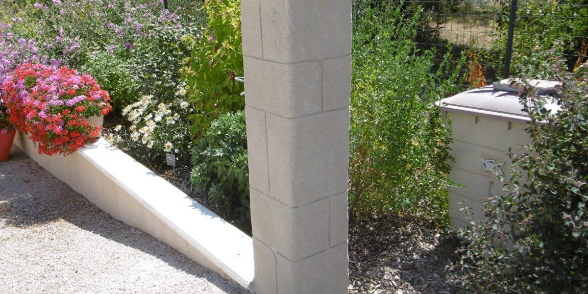 Pillier en Decopierre aspect pierre de taille